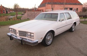 Oldsmobile Custom Cruiser 1978
