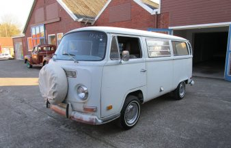 Volkswagen T2a 1971 Westfalia Camper —SOLD