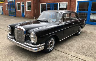 Mercedes W111 220 S 1960 — SOLD