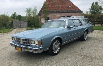 Oldsmobile Custom Cruiser 1986