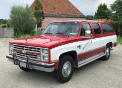 Chevrolet Suburban C20 1988